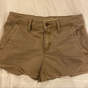 Universal Thread dark khaki short shorts